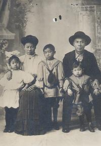 Chin Quan Chan Family, ca. 1911